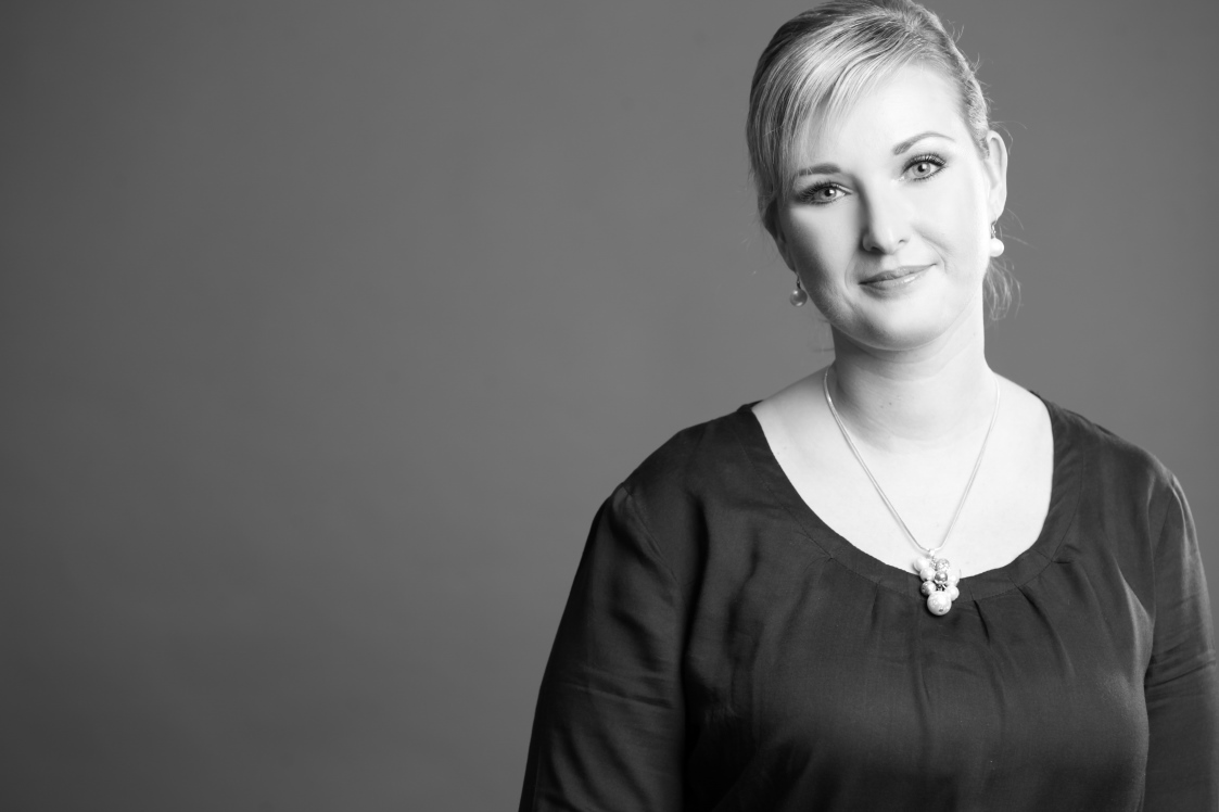 Julia Dieckmann Make-up Artist & Hairstylist - Braut Styling | Abend Make-up | Tagesmake-up | Beratung